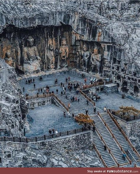 The Longmen Grottoes (Dragons Gate) is a Buddhist cave complex located 13 kilometers south of Luoyang in China's Henan province. Luoyang, Ancient Architecture, Art And Architecture, Beautiful Architecture, Places To Travel, Places To Visit, Destination Voyage, Buddhist Art, China Travel