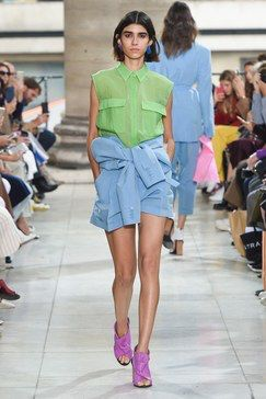 Christian Wijnants Spring 2019 Ready-to-Wear Fashion Show Collection: See the complete Christian Wijnants Spring 2019 Ready-to-Wear collection. Look 4