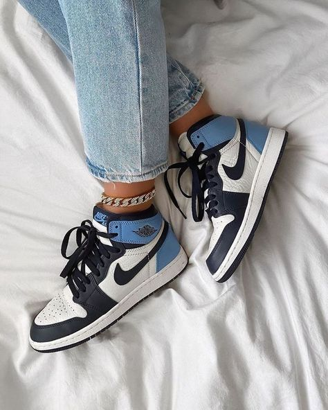 Jordan 1 Retro High Obsidian UNC- High jordan obsidian retro UNC Effektive B .Jordan 1 Retro High Obsidian UNC- High jordan obsidian retro UNC Effektive B . Moda Sneakers, Sneakers Mode, Sneakers Fashion, Fashion Shoes, Blue Sneakers, Girls Sneakers, Nike Women Sneakers, Fashion Clothes, Fashion Fashion