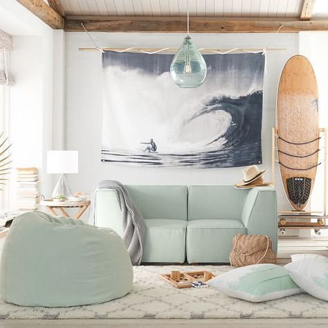 boho surf bedroom surf shack Kelly Slater Tapestry, Kelly in Pipe, Color Beach Room Decor, Beachy Room, Teen Beach Room, Beach Room Themes, Girls Surf Room, Beach Dorm Rooms, Beach Apartment Decor, Beach Apartments, Beach Bedrooms