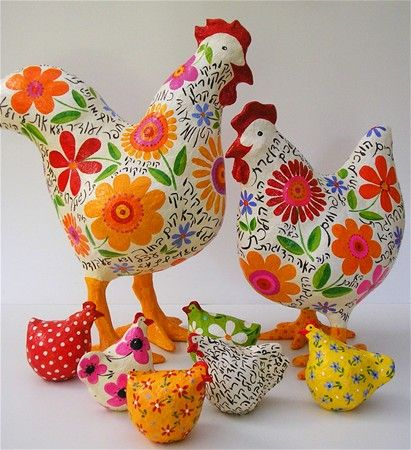 Chickens big & small - Rooster & hen with hebrew nursery rhymes / paper mache by Liat Benyamini Ariel
