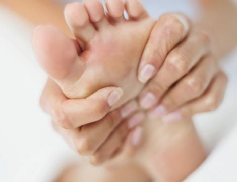 Homemade Foot Detox  1/2 gallon Mason jar, 1 cup Epsom Salt, 1 cup Sea Salt, 2 cups Baking Soda….put the top on and shake it up! Add 1/4 cup of mixture to a plastic dish pan filled with the hottest water you can stand...soak feet