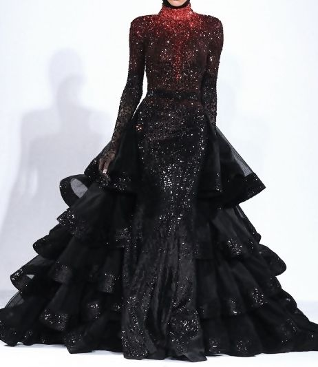 OH so stunning Michael Cinco Fall looks like Katniss everdeen. Looks Style, Looks Cool, Pretty Outfits, Pretty Dresses, Vampire Wedding, Vampire Bride, Vampire Queen, Mode Glamour, Michael Cinco