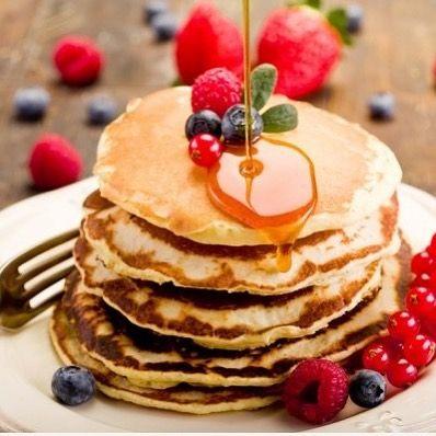 بان كيك صحي في الخلاط نضيف نصف كوب شوفان نصف كوب حليب خالي الدسم بيضة موزة م ص بيكنج باودر How To Make Pancakes Pancakes Mix Chocolate Chip Pancakes