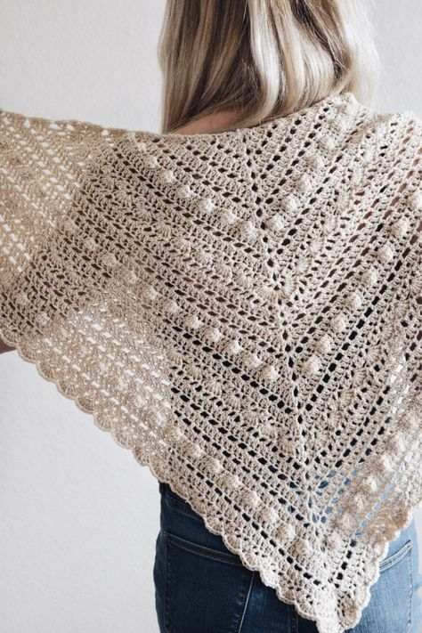 Crochet A Vintage-Inspired Triangle Scarf With Bobbles and Lace, THE ISLA SCARF | DarlingJadore.com | @DarlingJadore