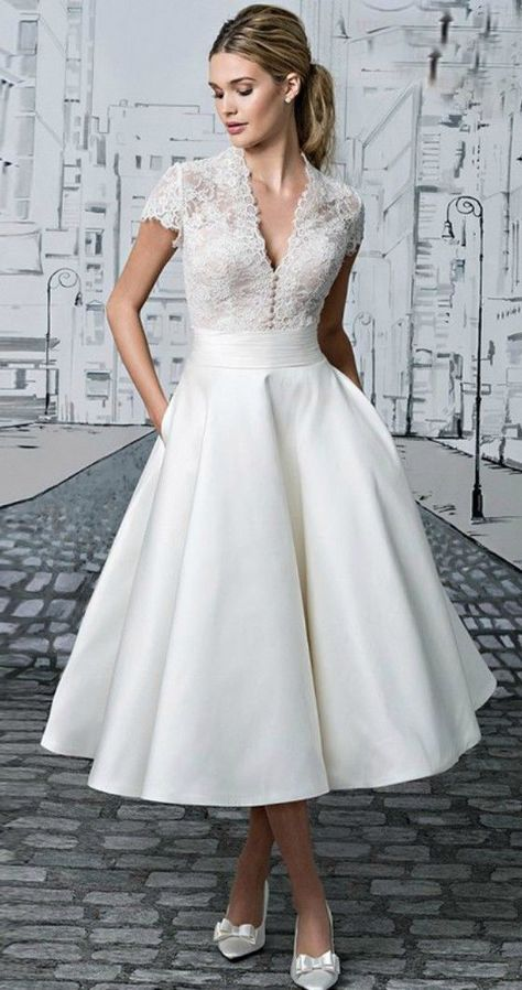 These tea length wedding dresses ideas, can be used as a reference for your wedding dresses. Are you looking for vintage style, elegant look ? Tea length wedding dress is perfect, especially for ev…
