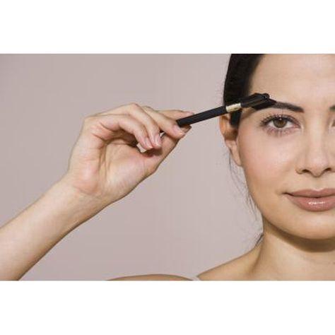 How to Use Coffee Grinds to Darken the Eyebrows | Darken ...