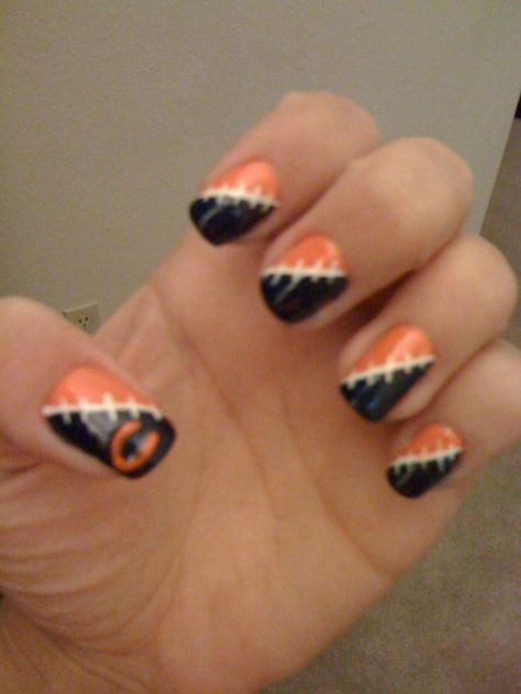 Pin By Raquel Vital On Chicago Bears Bears Nails Football Nail Art Football Nails
