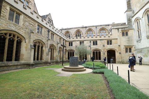 ハリーポッターの撮影地 ホグワーツのモデル In オックスフォード大学 ホグワーツ ギムナジウム ハリーポッター