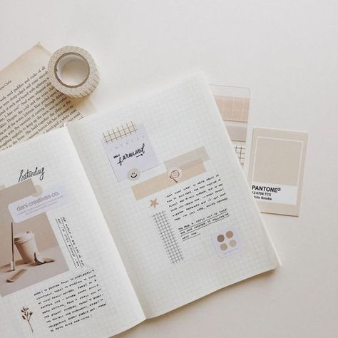 Find images and videos about art, writing and bullet journal on We Heart It - the app to get lost in what you love. Bullet Journal Washi Tape, Bullet Journal Writing, Bullet Journal Notebook, Bullet Journal Aesthetic, Bullet Journal School, Bullet Journal Spread, Bullet Journal Inspo, Life Journal, Journal Design