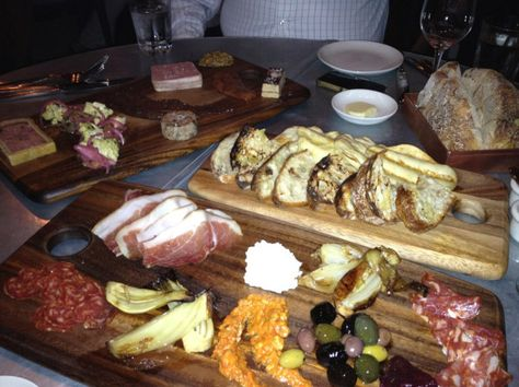 Holy meat, this looks delicious!  From the Blue Room - WILL. be going there!