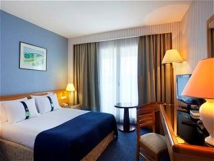Holiday Inn Resort Nice Port St Laurent Hotel A Cagnes Sur Mer In 2020 Hotel Holiday Inn Home