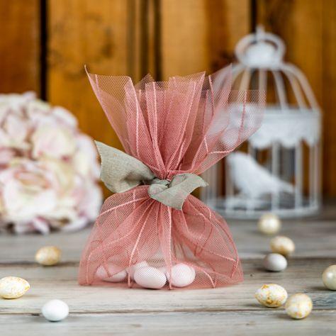 Φθινοπωρινή χειροποίητη μπομπονιέρα από τούλι με ρίγες. Παίξε με αποχρώσεις του πράσινου και του σάπιου μήλου για να φτιάξεις πρωτότυπες DIY μπομπονιέρες για φθινοπωρινό γάμο. DIY autumn wedding favors with tulle with stripes. #autumnwedding #fallweddingfavors #diywedding #wedding #diyfavors #tullewithstripes