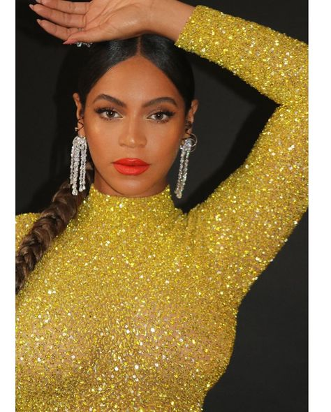 Style Crush - Beyonce's Golden Look To The Tyler Perry Studios Grand Opening - AccelerateTv