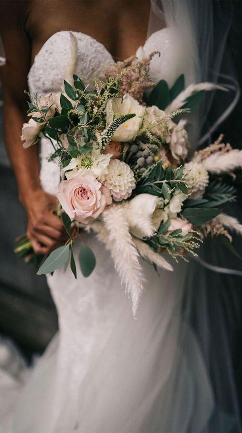 autumn bouquets , bridal bouquet, wedding bouquets, wedding bouquet trends 2020, wedding flowers, wedding floral trends 2020, wedding flower trends 2020 #bouquets #weddingbouquets