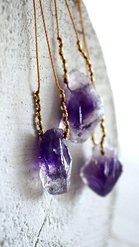 Items similar to Collier améthyste pépite, collier Pierre violet, collier minéraux, bijoux organique, birthstone février, améthyste or,-Pohaku violet on Etsy