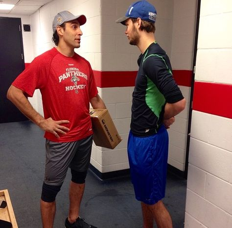 Roberto Luongo Eddie Lack Reunite Hockey Nhl Players Hockey