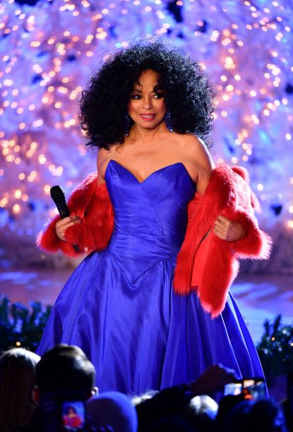 Diana Ross performing at the 86th Annual Rockefeller Center