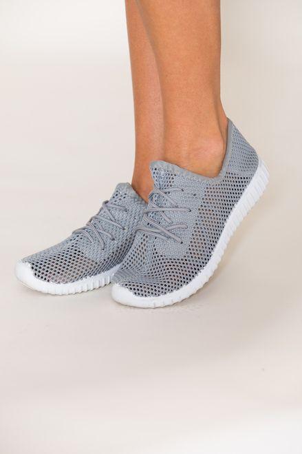 Sneakers, Sneakers grey
