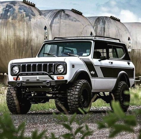 This is a photo album with pictures of International Scout classic trucks The International Scout is rapidly becoming more and . International Scout Ii, International Harvester, Custom Trucks, Cool Trucks, Pickup Trucks, Chevy Trucks, Jeep Truck, Internacional Scout, Jeep Scout