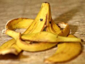 Skorki Z Banana Jako Naturalny Nawoz Roslinny Banana Small Garden Babana