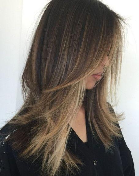 Glatte haare lange stufenschnitt Glatte haare