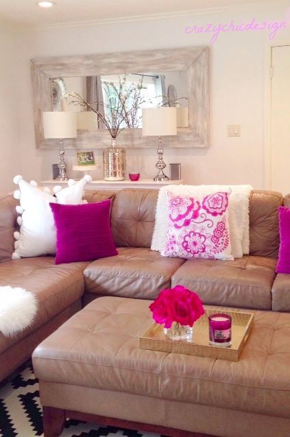 Living room. I like the pink accent pillows. Girly home decor ...