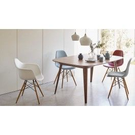 The Organic Seat Or Shell As It S Often Referred To Of This Armchair Has An Organic Form That Allows For A Co Eames Dsw Chair Eames Plastic Chair Dsw Chair