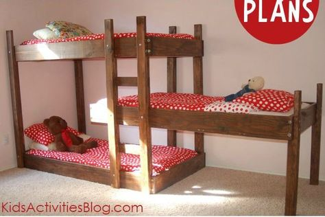 {Build A Bed} Free Plans for Triple Bunk Beds - Kids Activities Blog Oh boy, we totally need this for the girls!
