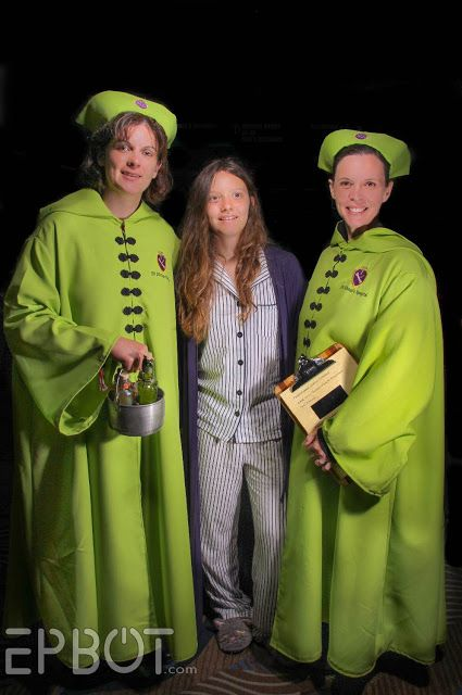 St Mungos Nurses And Maybe Alice Longbottom Halloween Party Planning Cosplay Harry Potter Diy