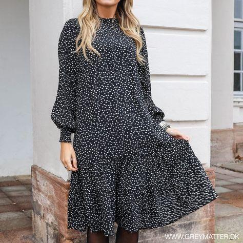 Collectif: Prikket 50'er kjole med lommer og bådudskæring