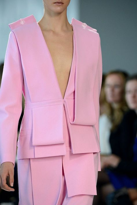 Christopher Kane Spring 2013 Ready-to-Wear Fashion Show Details