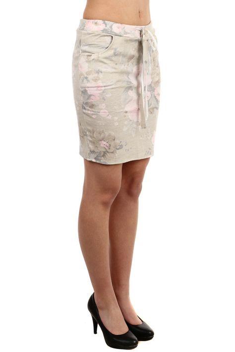 da7b264e6526 Dámská květovaná pouzdrová midi sukně - koupit online na Glara.cz  glara   fashion  sukně  sukne