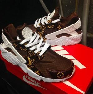 SUPREMe X LV X NIKE HUARACHES brown Collab | Nike huarache, Huarache and  Hypebeast