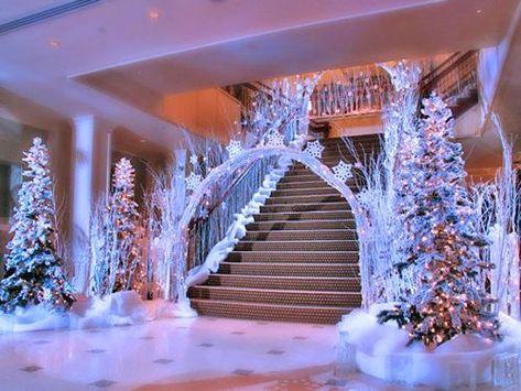 Winter Wonderland Decorations, Winter Wedding Decorations, Sweet 16 Decorations, Winter Weddings, Winter Thema, Wedding Reception Entrance, Reception Halls, Reception Ideas, Decoration Evenementielle