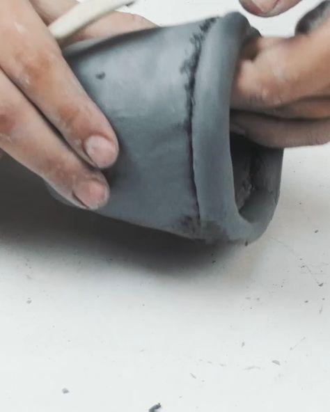 Finding home decor at the store is easy, but creating your own sculpture art using your hands is fun!  Using pottery and clay sculpting tools, you can DIY cute pots, sculptures, and planters that perfectly match your home. Check out some of these sculpting tutorials that focus on DIY ideas for home decoration