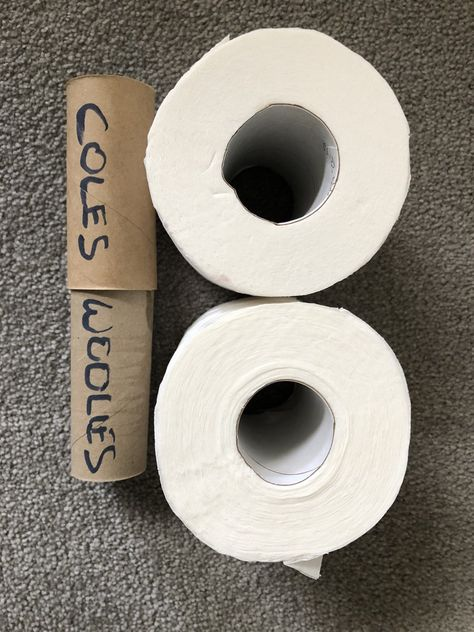 A roll toilet of girth paper Average Girth