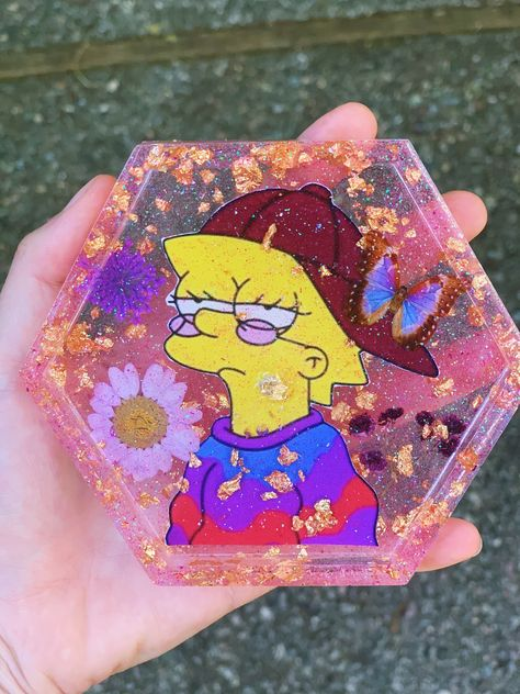 Diy Resin Tray, Diy Resin Crafts, Diy And Crafts, Arts And Crafts, Japanese Embroidery, Flower Embroidery, Embroidered Flowers, Embroidery Stitches, Epoxy Resin Art