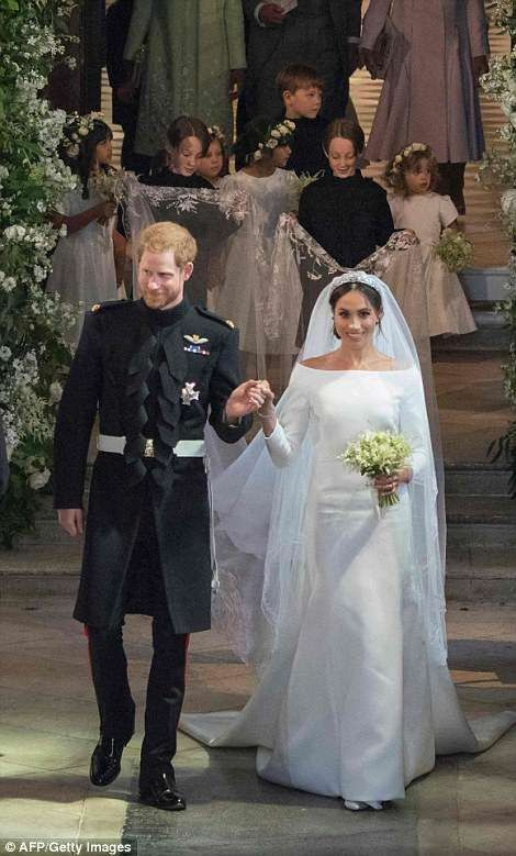 Love The Children In The Background With Images Royal Wedding