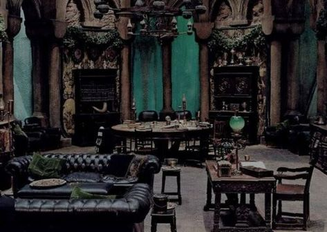 what if harry potter had been sorted into slytherin? well i give you harry slytherin. sorted into slytherin a whole new chain of events is set off the first ye. Slytherin Harry Potter, Harry Potter Room, Slytherin House, Harry Potter Houses, Hogwarts Houses, Slytherin Pride, Hufflepuff Common Room, Draco Malfoy Aesthetic, Slytherin Aesthetic