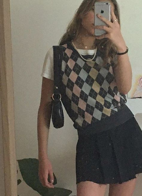 Adrette Outfits, Indie Outfits, Cute Casual Outfits, Retro Outfits, Vintage Outfits, Preppy Outfits, 6th Form Outfits, Flannel Outfits, Teen Fashion Outfits