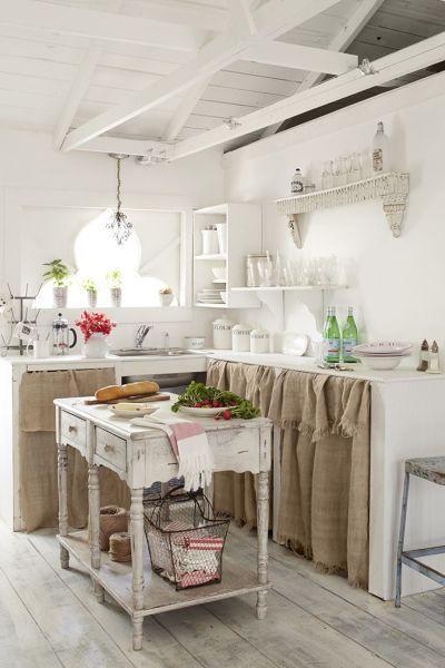 Cucina in muratura in stile shabby chic | Cucina shabby chic ...