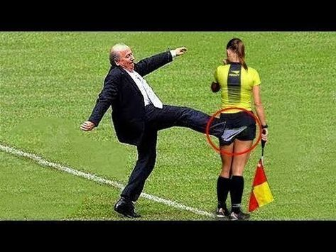 10 FUNNY MOMENTS WITH FOOTBALL MANAGERS