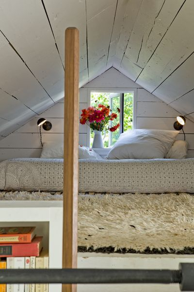 How to renovate a tiny house.