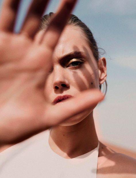 Frida Gustavsson in Desert Dream - Editorials
