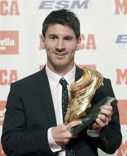 Messi Raih Sepatu Emas Football World For World Messi Sepak