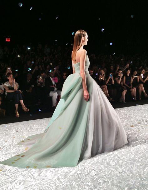Monique Lhuillier s/s2015 Finale Dress. New York Fashion Week.