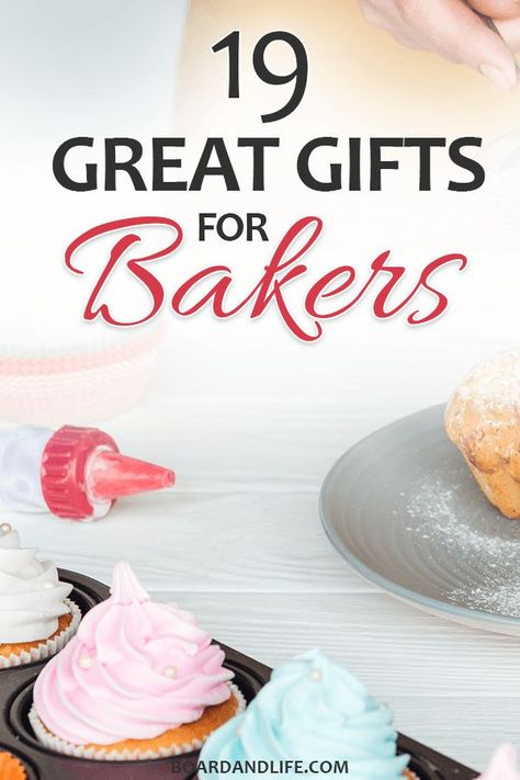 Awesome Christmas gifts for bakers - from affordable to high-end. With our Christmas gift guide for bakers you'll be sure to find a suitable present without stressing about the holiday season. #christmasgifts #giftsforbakers
