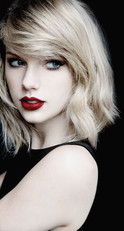 Taylor Swift ♥ - A perfect image for the character 'Lana' from