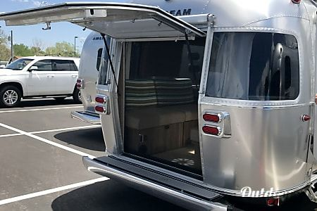 2018 Airstream Tommy Bahama For Rent In Columbus Ga Gonesilver Airstream Rv Airstream Rental Rent Rv Rv